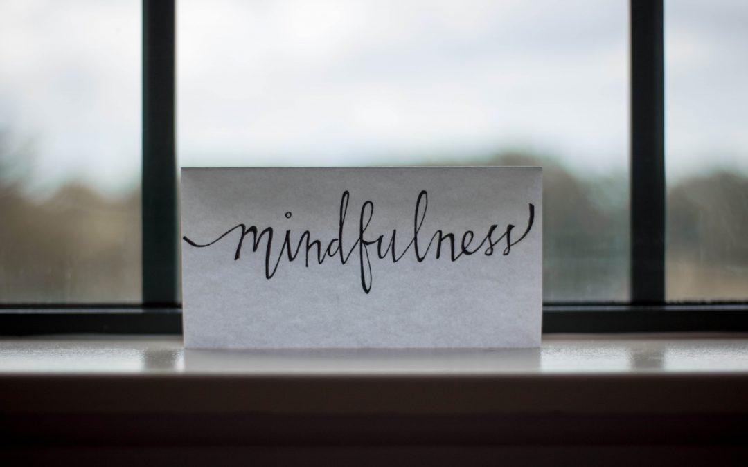 كيف تكون حاضراً واعياً دون ممارسة التأمل؟